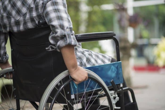 介護福祉士を取得するにはどうすればいいのか