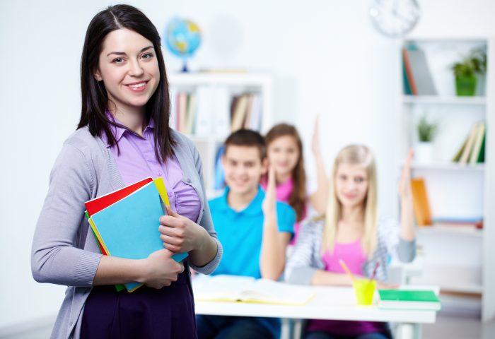 高校教師 平均年収