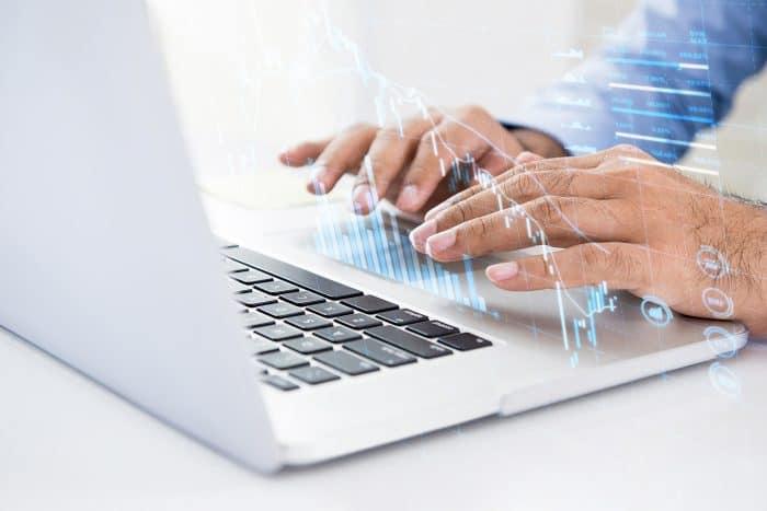 データ システム 技術 年収 ntt