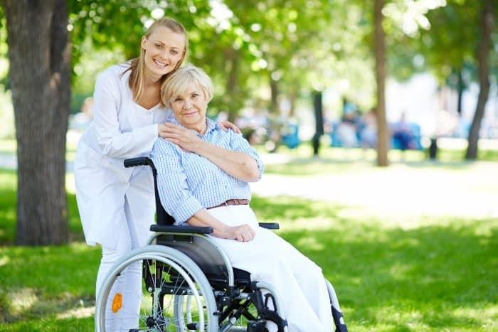 介護福祉士の資格を転職で活かすコツはなにか