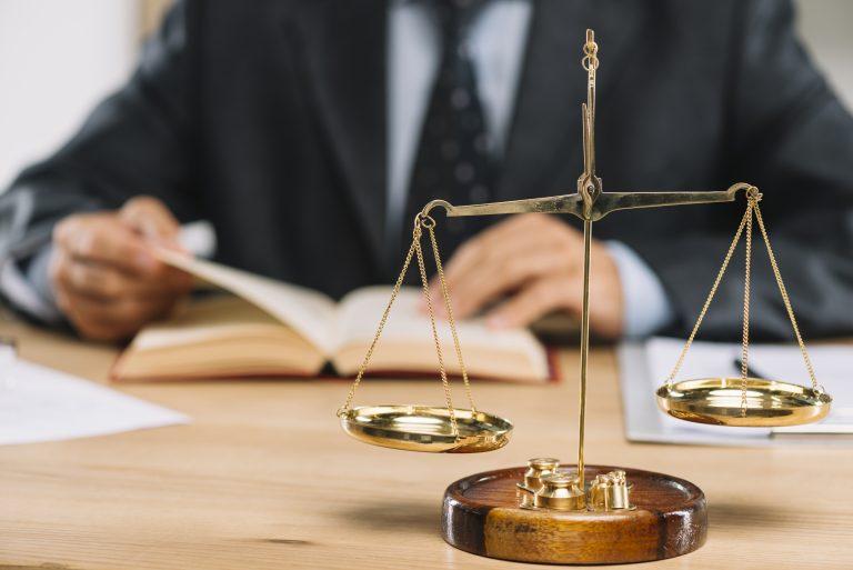 法務 転職