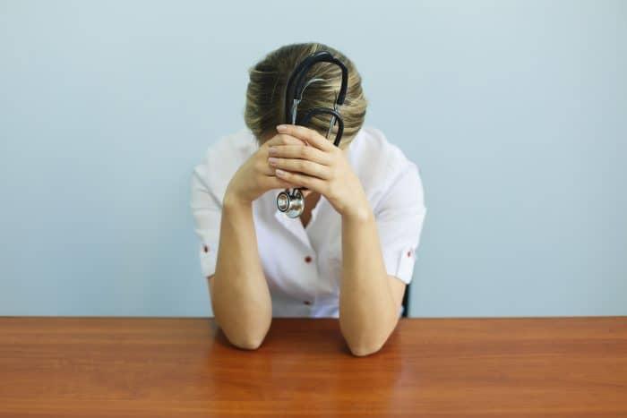 看護師の転職 悩み