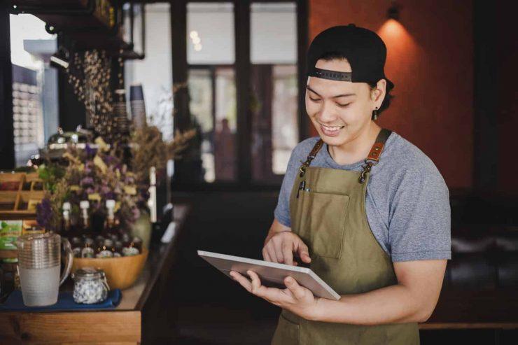 飲食店から不動産業界への転職は難しい?高収入を目指せる仕事も網羅