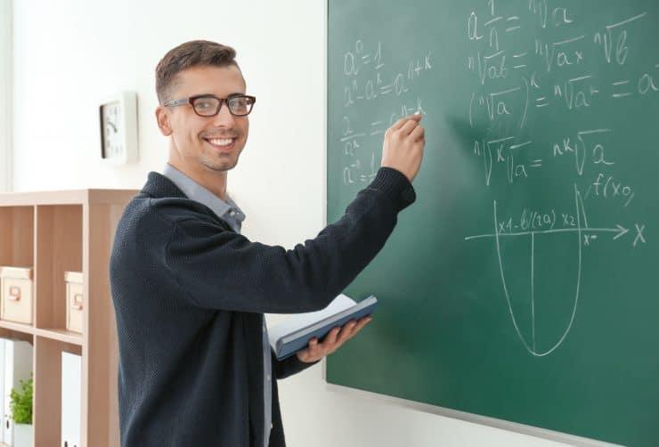 教員を辞めたいと思ったときは?対処法やおすすめの転職先・成功のポイント