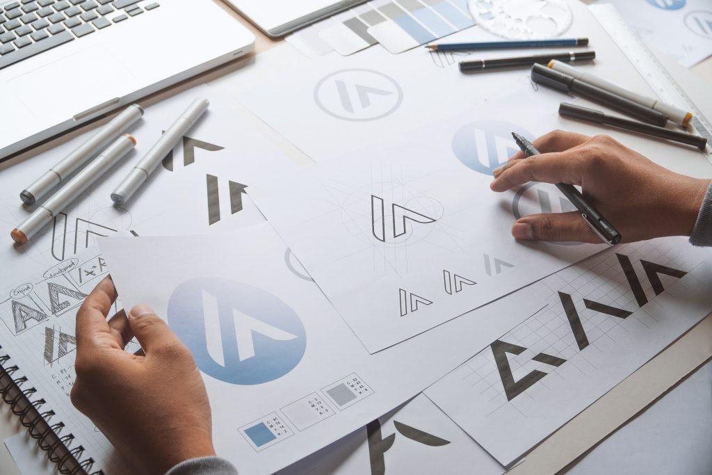 デザインの仕事に転職するために取っておきたい資格