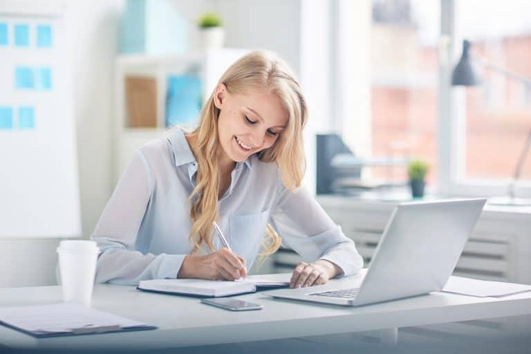 営業事務に転職する方法や仕事内容を解説