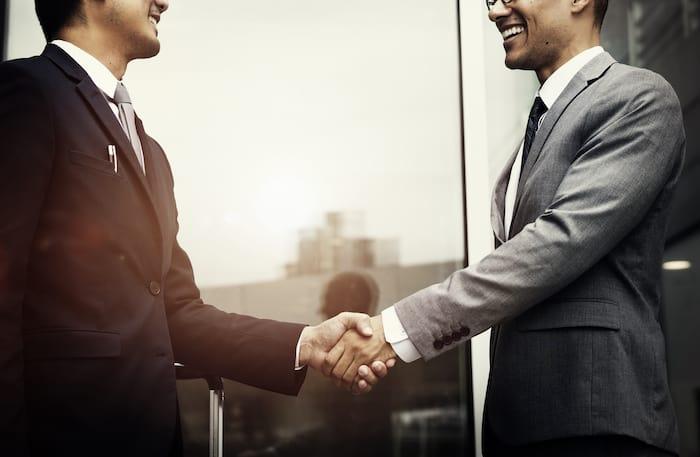 転職エージェントを使ってRPA業界への転職に成功した男性