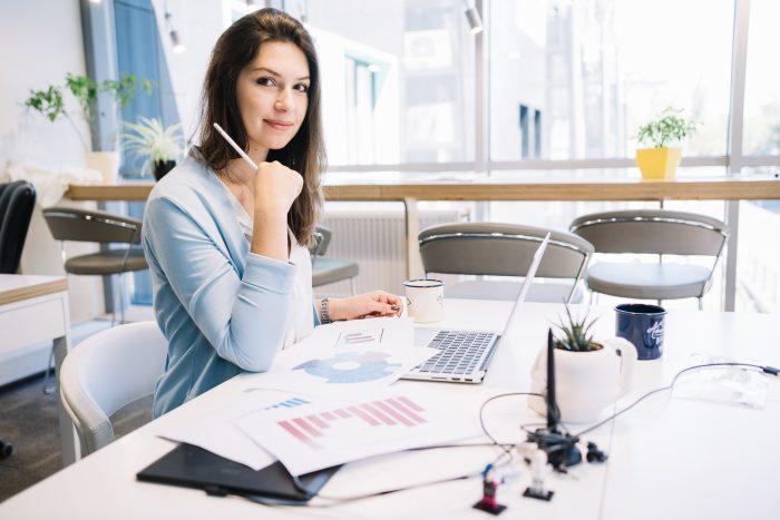 一緒に働きやすい女上司が多い職場の特徴