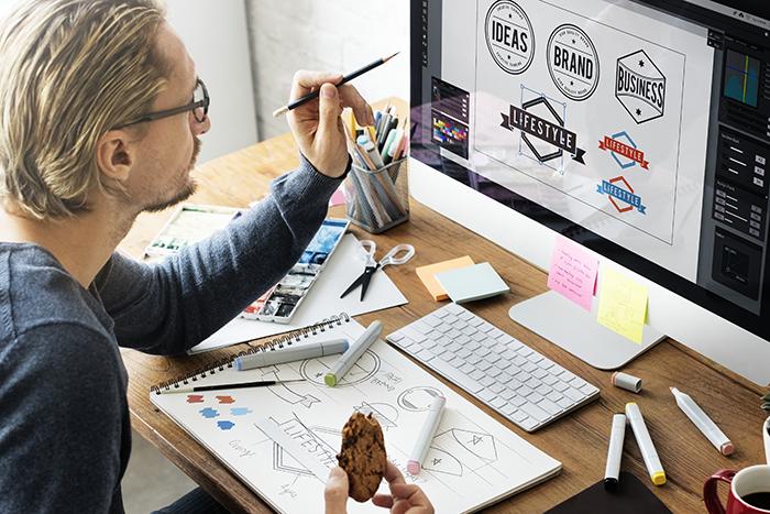 現役デザイナーも活用する転職サイト3選