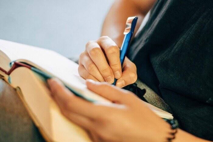 フォーサイトで社労士資格を取得するための勉強法