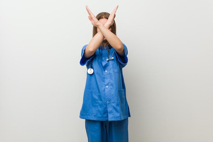 看護師の仕事がきつくても辞められない2つ理由