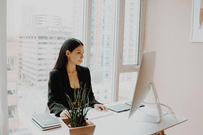 未経験から秘書に転職する方法