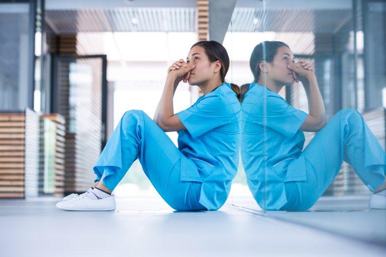仕事がきつい看護師さん必読!悩みを解決するための具体策を解説