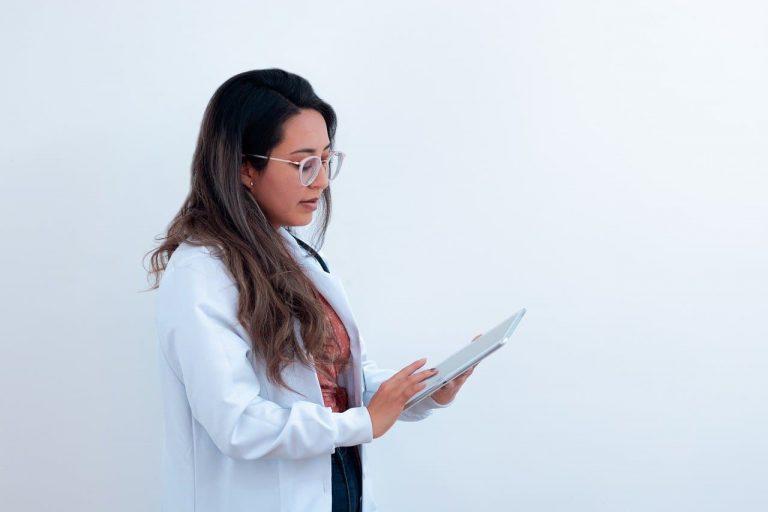 【看護師資格を活かした仕事】働いてみたい業界10種の特徴を解説!