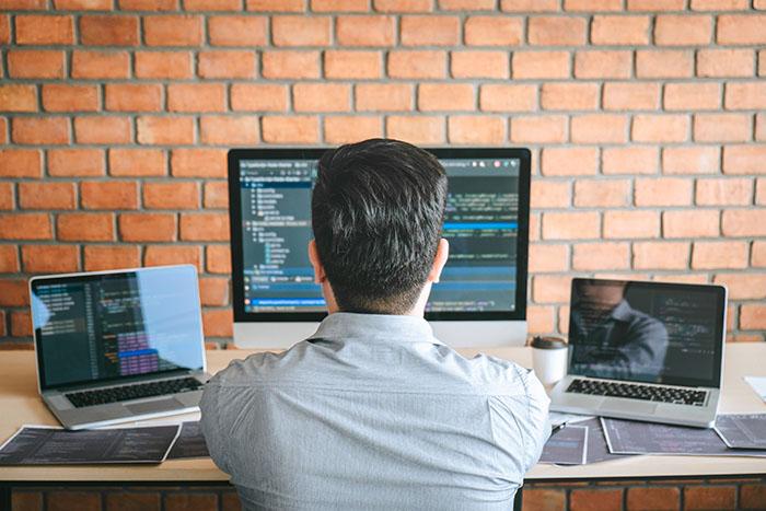 Webディレクターで年収をアップさせる方法