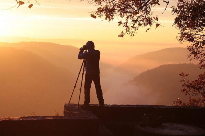 カメラマンの年収・給料の特徴