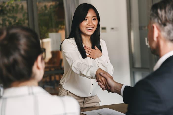 未経験から派遣を目指すならまずは派遣会社に登録しよう