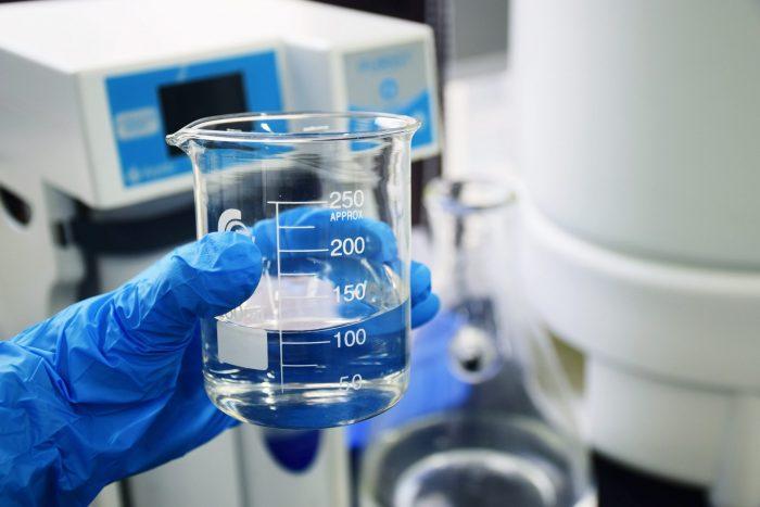 化学メーカーへの転職に求められるスキルや経験