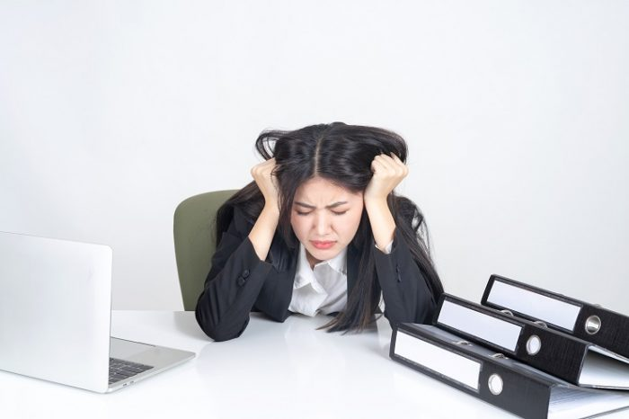 「仕事が辛い」と感じる11個の原因